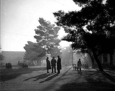 Πρωινό στην κεντρική πλατεία Λάρισας, 1950
