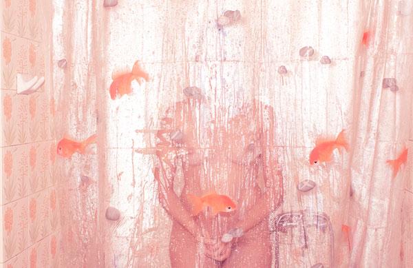 γυναικείο σώμα, κουρτίνα μπάνιου με χρυσόψαρα, self encounter