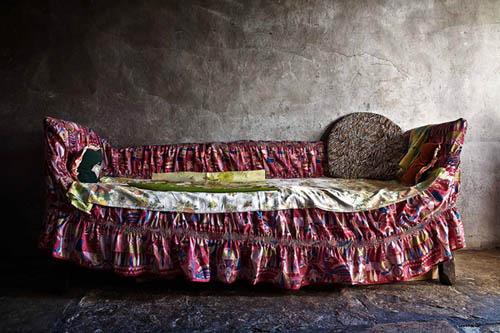 καναπές με ριχτάρια