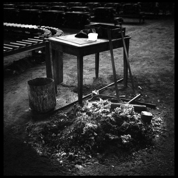 τραπέζι, υπολείμματα φωτιάς