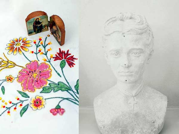δίπτυχο φωτογραφίας: τραπεζομάντηλο με κεντημένα λουλούδια και ένα δίπτυχο χριστιανικής εικόνας / άγαλμα γυναίκας