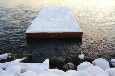 χιονισμένο θαλασσινό τοπίο