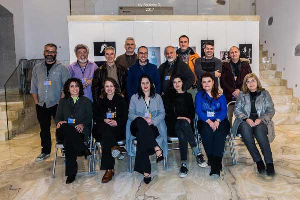 αναμνηστική φωτογραφία των μελών της φωτογραφικής ομάδας Λήμνου
