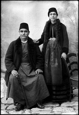 ζεύγος Καστοριανών, ασπρόμαυρη φωτογραφία