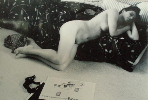 γυναικείο γυμνό σώμα