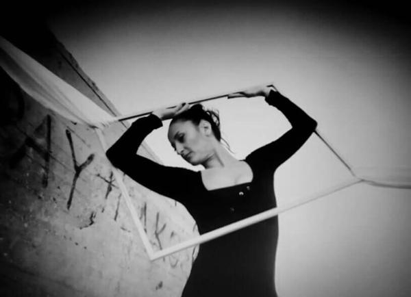 ασπρόμαυρη φωτογραφία, χορεύτρια