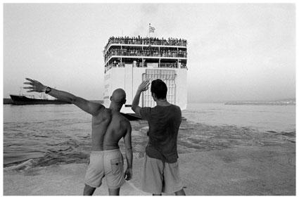 ασπρόμαυρη φωτογραφία, άνθρωποι, πλοίο