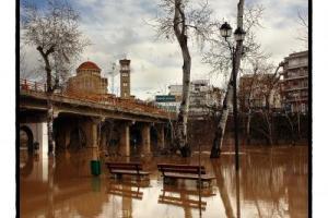 Πηνειός ποταμός, παγκάκια στο νερό, Αγ. Αχίλλειος, Λάρισα