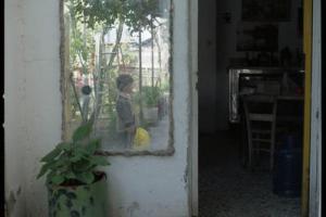 παλιό σπίτι, καθρέφτης, παιδι