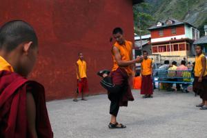 μοναχοί στην Ινδία