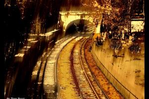 σιδηροδρομική γραμμή και τούνελ
