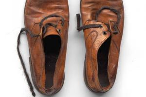 ζευγαρι παλιά αντρικά παπούτσια