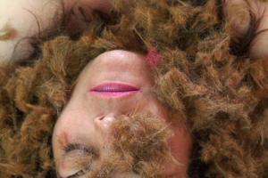 γυναικείο πορτραίτο, κομμένα μαλλιά