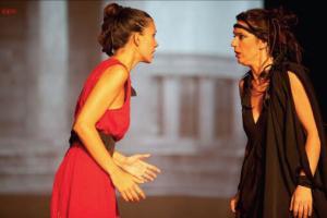 γυναίκες ηθοποιοί στη σκηνή