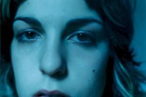 πορτραίτο γυναίκας, μπλε φως