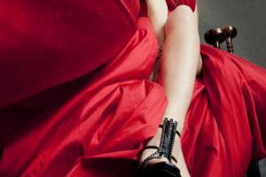 μοντέλο, κόκκινο φόρεμα