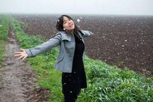 χαρούμενη κοπέλα, χιόνι