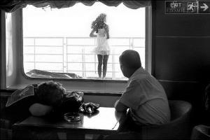 ασπρόμαυρη φωτογραφία, πλοίο, άνδρας, γυναίκα