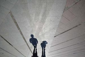 σκιές στο δρόμο