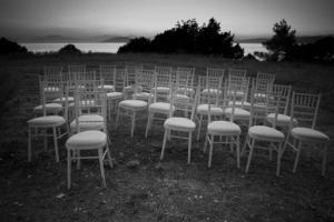 εξοχή, λίμνη, καρέκλες