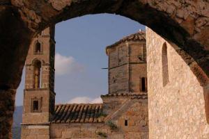 πέτρινο μοναστήρι