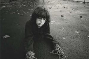 Arthur Tress, Αγόρι με Ρίζες για Χέρια, Νέα Υόρκη, 1971