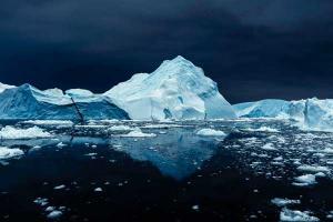 φωτογραφία παγόβουνο στη Γροιλανδία