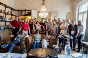 αναμνηστική φωτογραφία μελών προηγούμενης συνάντησης