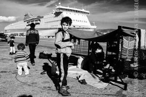 παιδιά σε λιμάνι