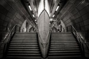 ασπρόμαυρη φωτογραφία, σκαλιά metro