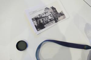 ασπρόμαυρη φωτογραφία εποχής, φίλτρο φακού, λουράκι φωτογραφικής μηχανής